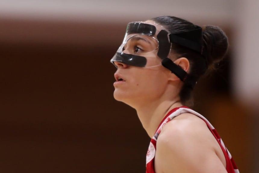 Με ειδική μάσκα αγωνίζεται η Νικολοπούλου!