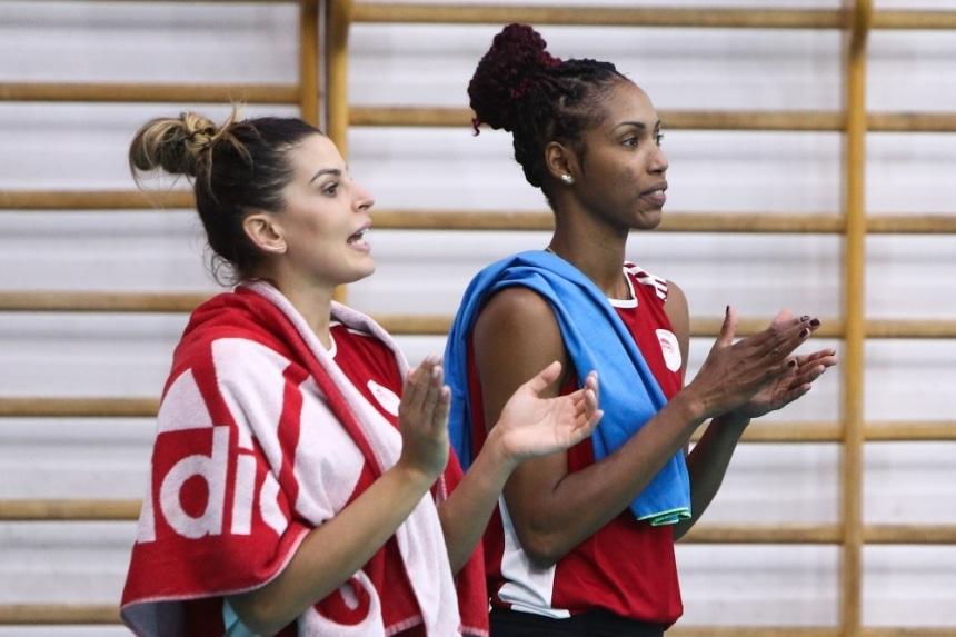Ολυμπιακός | Βόλεϊ Γυναικών: Η εντυπωσιακή Μαριάνα Αντράντε Κόστα αγωνίστηκε στο φιλικό του Θρύλου!
